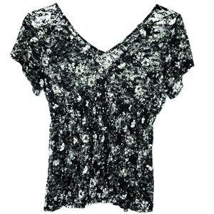 Torrid 4X Black White Sheer Blouse Stretch Lace
